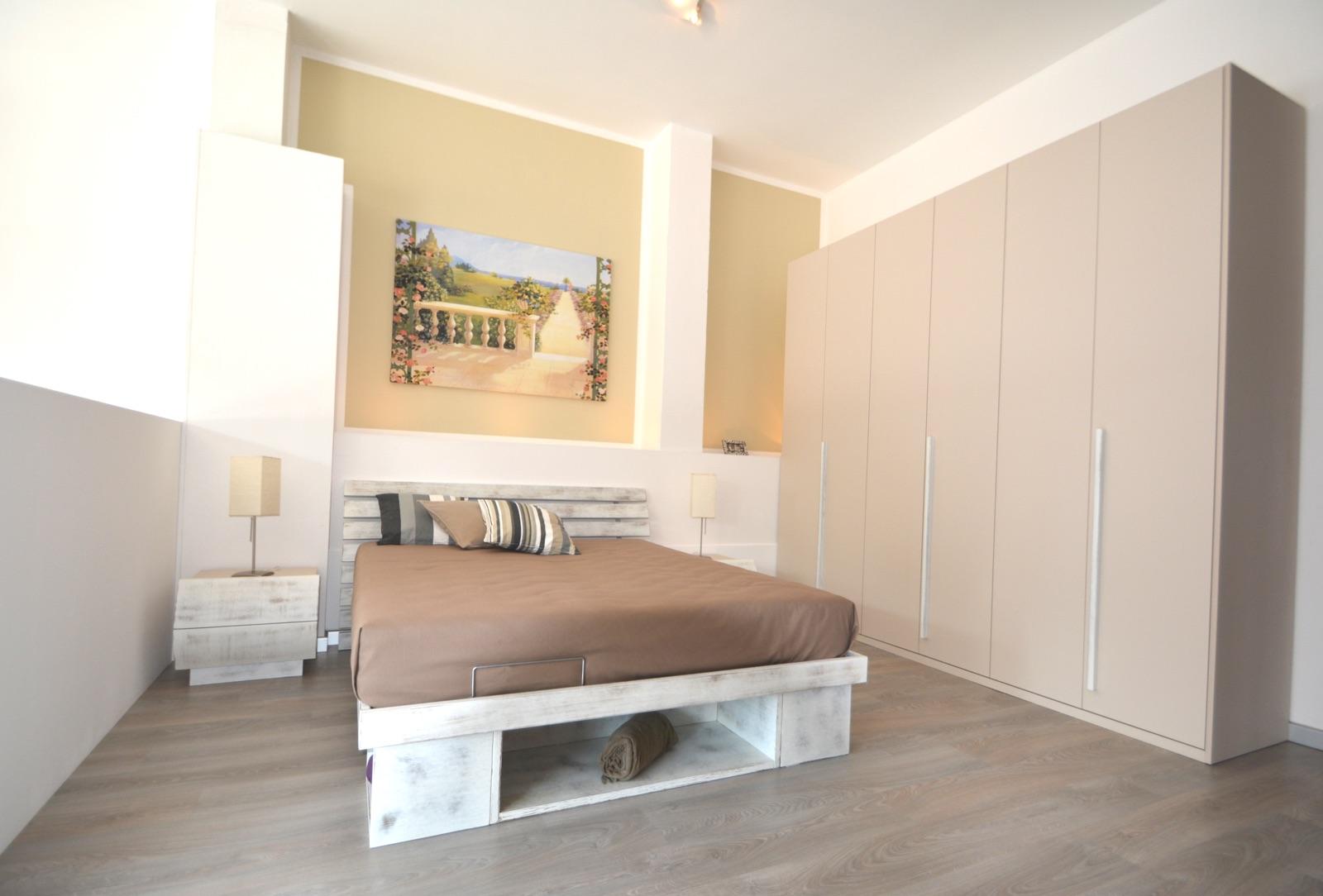 Produzione camere da letto brianza sde arredamenti for Arredamenti in brianza